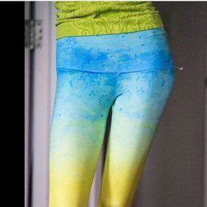 Noli Yoga Green Ombre capri Leggings